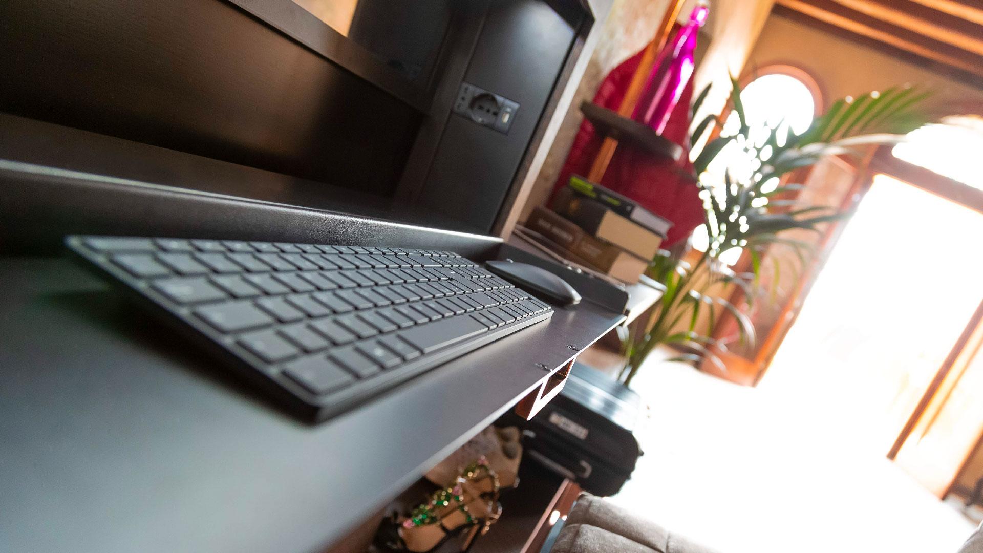Alessio Fiumara Smart Desk